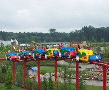 Power supply vehicles in amusement park